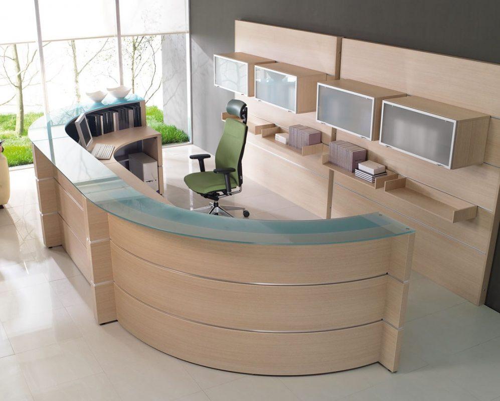 Office desks in Dubai